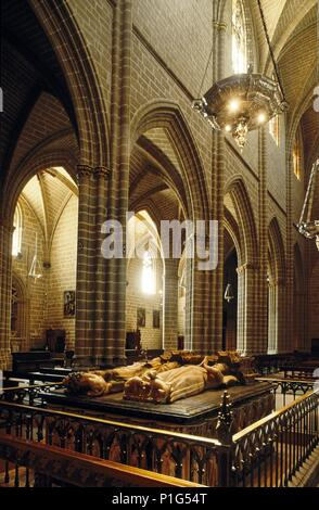 Pamplona; Catedral y sepulcro en alabastro de Carlos III (góticos). - Stock Photo