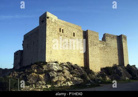 SPAIN - Catalonia - Ribera d?Ebre (district) - TARRAGONA. Miiravet; castell templari / castillo templario. - Stock Photo