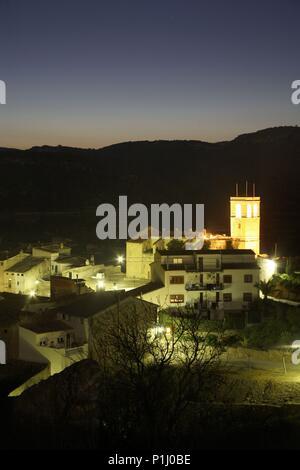 SPAIN - Catalonia - Ribera d?Ebre (district) - TARRAGONA. García; pueblo e Iglesia Vieja. - Stock Photo