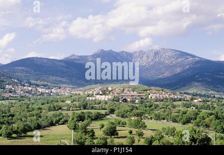 Comunidad Autónoma de Madrid: Sierra de Guadarrama mountain range and Cercedilla town. - Stock Photo