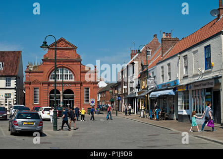 Shops in Ladygate Beverley East Yorkshire England UK United Kingdom GB Great Britain - Stock Photo