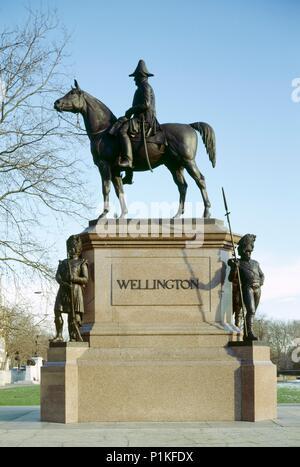 Statue of the Duke of Wellington, Hyde Park Corner, London, c1980-c2017. Bronze equestrian statue designed in 1888 by Joseph Edgar Boehm. - Stock Photo