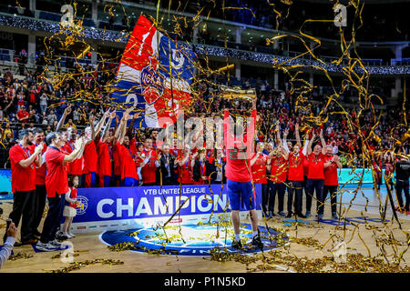Moscow, Moscow, Russia. 10th June, 2018. CSKA Moscow celebrates after winning the VTB Final Four between Khimki Moscow, CSKA Moscow, Kazan Unics, and Zenith St. Petersburg. CSKA Moscow defeated Khimki Moscow 95-84 in the final. Credit: Nicholas Muller/SOPA Images/ZUMA Wire/Alamy Live News - Stock Photo