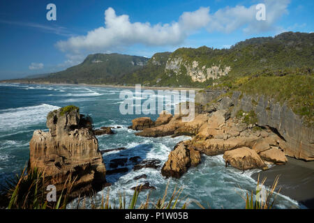 Coastal rock formations, Punakaiki, Paparoa National Park, West Coast, South Island, New Zealand - Stock Photo
