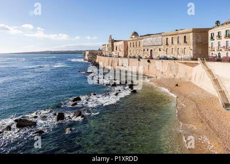 Cala Rossa beach in Ortigia, Siracusa, Sicily - Stock Photo