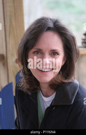 Original Film Title Two Weeks English Title Two Weeks Film Director Steve Stockman Year 2006 Stars Sally Field Credit Custom Productions Transcendent Llc Two Weeks Album Stock Photo Alamy