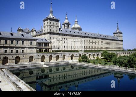 Monasterio de El Escorial monastery  ('herreriana' architecture); King´s Felipe II ancient residence. - Stock Photo