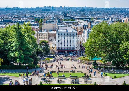 France, Ile de France, Paris, 18th district, View of Paris from the Sacre Coeur forecourt, Montmartre - Stock Photo