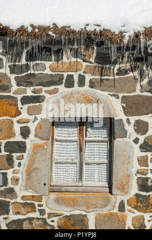 France, Auvergne-Rhones-Alpes, Haute-Loire, Saint-Front, thatched cottages from the region of Bigorre - Stock Photo