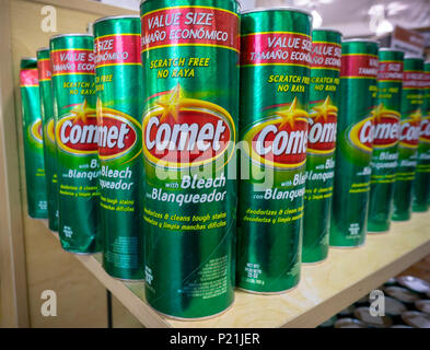 Cans of Comet cleanser are seen on display in a supermarket in New York on Thursday, June 7, 2018. Comet is a brand of Prestige Brands which owns numerous other brands. (© Richard B. Levine) - Stock Photo