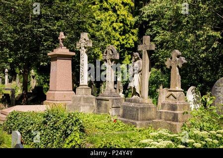 London, Great Britain, Graeber in the cemetery Highgate - Stock Photo