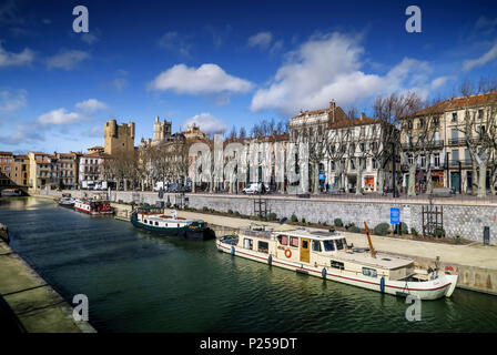 Canal de la Robine in autumn, boats and barge - Stock Photo