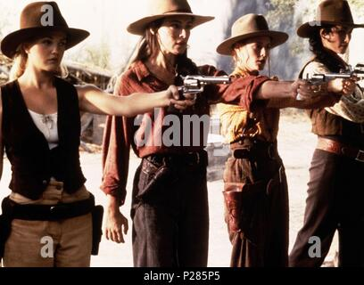 Original Film Title: BAD GIRLS.  English Title: BAD GIRLS.  Film Director: JONATHAN KAPLAN.  Year: 1994.  Stars: DREW BARRYMORE; ANDIE MACDOWELL; MADELEINE STOWE; MARY STUART MASTERSON. Credit: 20TH CENTURY FOX / Album - Stock Photo