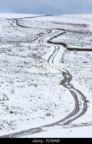 The long and winding road, yorkshire dales, the first snow of winter - Stock Photo