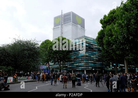 London, UK, 14th June 2018. Many events are held in south Kensington to mark the anniversary of Grenfell tower tragedy. Credit: Yanice Idir / Alamy Live News - Stock Photo
