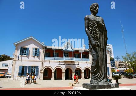 Cyprus, Larnaka, Larnaca Municipal art Gallery and Zeno of Kition Statue - Stock Photo