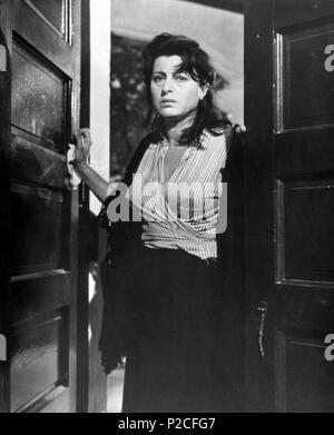 Original Film Title: THE ROSE TATTOO.  English Title: THE ROSE TATTOO.  Film Director: DANIEL MANN.  Year: 1955.  Stars: ANNA MAGNANI. Credit: PARAMOUNT PICTURES / Album - Stock Photo
