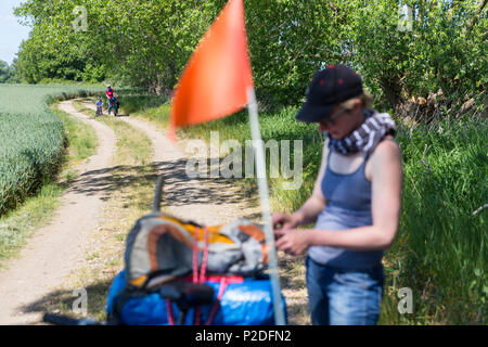 Family bicycle tour along the river Elbe, adventure, from Torgau to Riesa, Saxony, Germany, Europe - Stock Photo