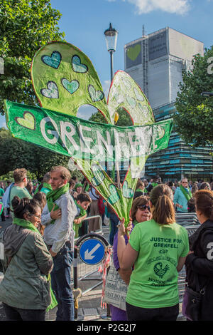 London, UK. 14th June 2018. The first anniversary of the Grenfell Tower Disaster Credit: Guy Bell/Alamy Live News - Stock Photo