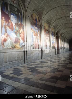 Claustro del Monasterio de San Lorenzo de El Escorial, empezado a construir en el año 1563. Provincia de Madrid, España. - Stock Photo