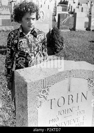 Original Film Title: GLORIA.  English Title: GLORIA.  Film Director: JOHN CASSAVETES.  Year: 1980.  Stars: GENA ROWLANDS. Credit: COLUMBIA PICTURES / Album - Stock Photo