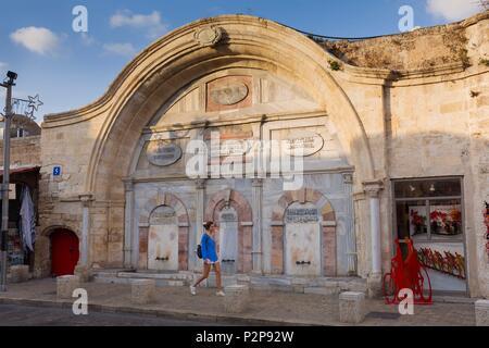 Israel, Tel Aviv, Jaffa the old part of the city, the Mahmoudiya Mosque seen from then the Shlomo Mifrats Promenade - Stock Photo