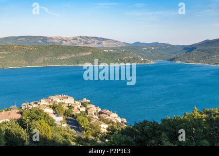 France, Alpes-de-Haute-Provence, Verdon Regional Natural Park, the village of Sainte-Croix-du-Verdon overlooking Lake St. Croix - Stock Photo