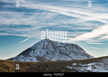 France, Puy de Dome, Orcines, Regional Natural Park of the Auvergne Volcanoes, the Chaîne des Puys, view of the Puy de Dôme from the summit of volcano Puy Pariou (aerial view) - Stock Photo