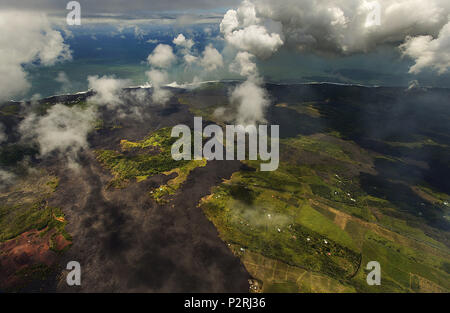 Pahoa, Hawaii, USA. 6th June, 2018. Green Lake has lost all its water as most of the Kapoho area including the tide pools is now covered in fresh lava with few properties still intact as the Kilauea Volcano lower east rift zone eruption continues on Wednesday, June 6, 2018, in Pahoa, Hawaii. Photo by L.E. Baskow/LeftEyeImages Credit: L.E. Baskow/ZUMA Wire/Alamy Live News - Stock Photo