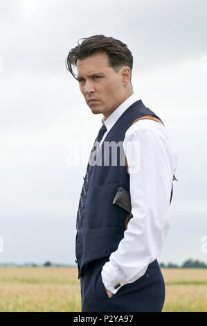 Original Film Title: PUBLIC ENEMIES.  English Title: PUBLIC ENEMIES.  Film Director: MICHAEL MANN.  Year: 2009.  Stars: JOHNNY DEPP; JOHN DILLINGER. Credit: TRIBECA PRODUCTIONS / Album - Stock Photo