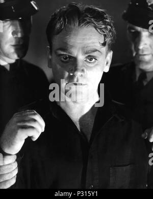 Original Film Title: ANGELS WITH DIRTY FACES.  English Title: ANGELS WITH DIRTY FACES.  Film Director: MICHAEL CURTIZ.  Year: 1938.  Stars: JAMES CAGNEY. Credit: WARNER BROS/FIRST NATIONAL / Album - Stock Photo