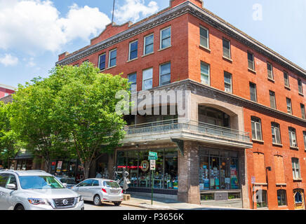 ASHEVILLE, NC, USA-10 JUNE 18: The building housing MALAPROPS BOOKSTORE, on Haywood St., in downtown Asheville. - Stock Photo