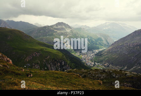 General view of Val d'Isere commune of the Tarentaise Valley, in the Savoie department (Auvergne-Rhône-Alpes region) in southeastern France. - Stock Photo
