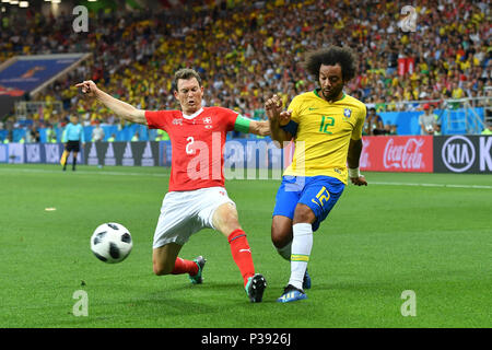 MARCELO (BRA), action, duels versus Stephan LICHTSTEINER (SUI). Brazil (BRA) -Switzerland (SUI) 1-1, Preliminary Round, Group E, match 09, on 17.06.2018 in Rostov-on-Don, Rostov Arena. Football World Cup 2018 in Russia from 14.06. - 15.07.2018. | usage worldwide - Stock Photo