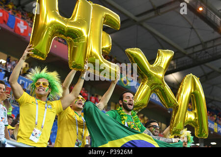 Rostov On Don, Russland. 17th June, 2018. Brazilian Fans, Football Fans, Brazil (BRA) -Swiss (SUI) 1-1, Preliminary Round, Group E, Match 09, on 17/06/2018 in Rostov-on-Don, Rostov Arena. Football World Cup 2018 in Russia from 14.06. - 15.07.2018. | usage worldwide Credit: dpa/Alamy Live News - Stock Photo