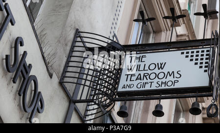 Exterior of the Willow Tea Rooms, Sauchiehall St, designed by renowned architect Charles Rennie Mackintosh for owner Kate Cranston in the early 1900s. - Stock Photo