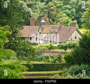 Mote Farm Cottages, Ightham Mote, Ivy Hatch, Sevenoaks, Kent, England, UK - Stock Photo