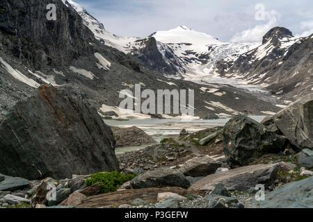 die Pasterze, der größte Gletscher Österreichs und der Johannisberg, Hohe Tauern, Kärnten, Österreich  |    The Pasterze, longest glacier in Austria a - Stock Photo