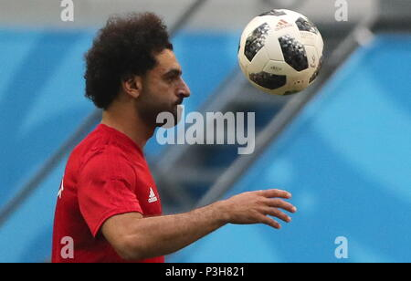 St Petersburg, Russia. 18th June, 2018. ST PETERSBURG, RUSSIA - JUNE 18, 2018: Mohamed Salah of the Egypt men's national football team during a training session ahead of the 2018 FIFA World Cup First Stage Group A match against Russia, at Saint Petersburg stadium. Alexander Demianchuk/TASS Credit: ITAR-TASS News Agency/Alamy Live News - Stock Photo