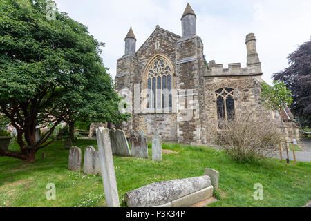 Cemetery and 14th century St. Mary's Church, Rye, East Sussex, England, UK - Stock Photo