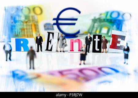 Miniature figures, pensions lettering and banknotes, Miniaturfiguren, Rente-Schriftzug und Geldscheine - Stock Photo