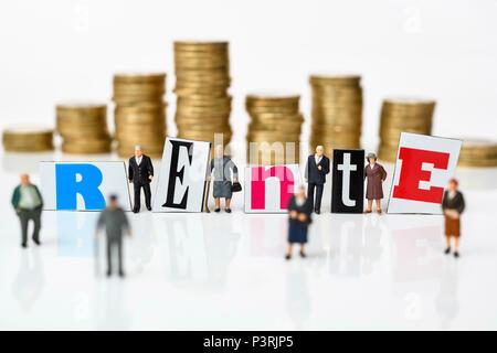 Miniature figures, Coin Stack and pension lettering, Miniaturfiguren, Münzstapel und Rente-Schriftzug - Stock Photo