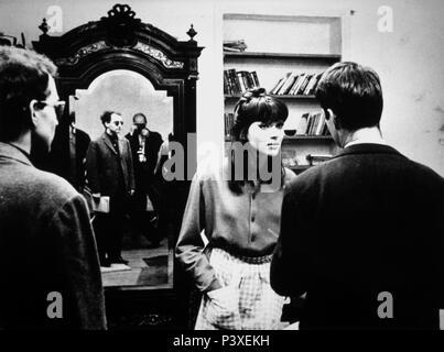 Original Film Title: VIVRE SA VIE: FILM EN DOUZE TABLEAUX.  English Title: MY LIFE TO LIVE.  Film Director: JEAN-LUC GODARD.  Year: 1962.  Stars: JEAN-LUC GODARD; ANNA KARINA. Credit: PATHE CINEMA / Album - Stock Photo
