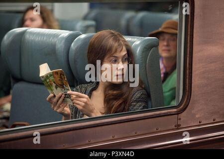 Original Film Title: BARNEY'S VERSION.  English Title: BARNEY'S VERSION.  Film Director: RICHARD J. LEWIS.  Year: 2010.  Stars: ROSAMUND PIKE. Credit: SERENDIPITY POINT FILMS / Album - Stock Photo