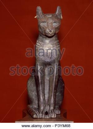 LA DIOSA DEL DELTA DEL NILO BASTET (GATA) - ESTATUA CONOCIDA COMO EL GATO DE GAYER-ANDERSON - 600 AC - ARTE EGIPCIO. Location: BRITISH MUSEUM, LONDON, ENGLAND. - Stock Photo