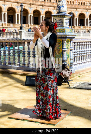 Spanish flamenco dancer, Plaza de Espana, Seville, Andalusia, Spain. - Stock Photo