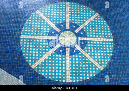 Mosaico de Livio Abramo; Mosaico no piso do Balneário de Águas de Lindoia; mosaicos com pedras portuguesas; mosaico de pastilha vítrea; Águas de Lindoia; Livio Abramo, data 2008-11-21 - Stock Photo