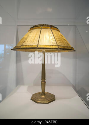 Linenfold Table Lamp by Louis Comfort Tiffany, early 20th century. - Stock Photo