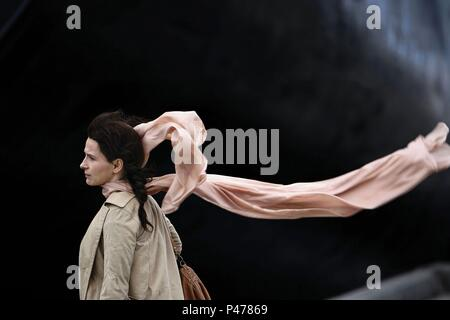 Original Film Title: DISENGAGEMENT.  English Title: DISENGAGEMENT.  Film Director: AMOS GITAI.  Year: 2007.  Stars: JULIETTE BINOCHE. Credit: AGAT FILMS / Album - Stock Photo