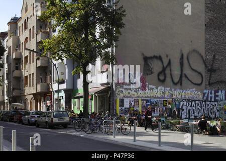 Berlin, Germany, old buildings and fire wall in the Weichselstrasse in Berlin-Neukoelln - Stock Photo